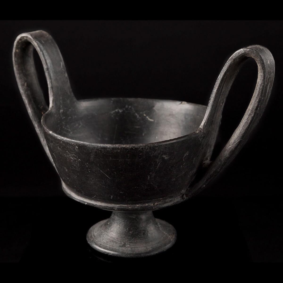 Photo of kantharos-bucchero-etruscan-italian-antiquities