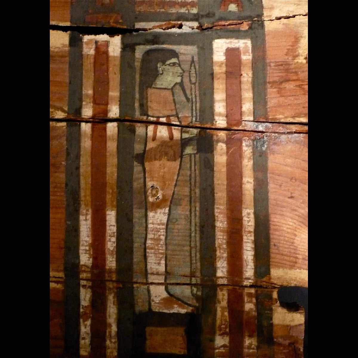 Photo of FRAGMENT DE SARCOPHAGE EGYPTIEN EN BOIS