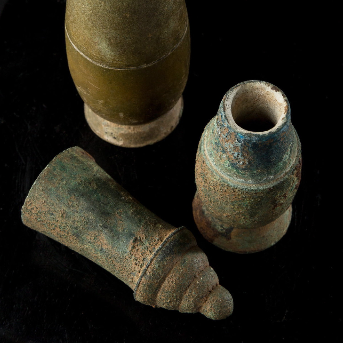 Photo of bethel-bronze-vase-museum-quality-galerie-golconda-archeology-specialist-asian-art