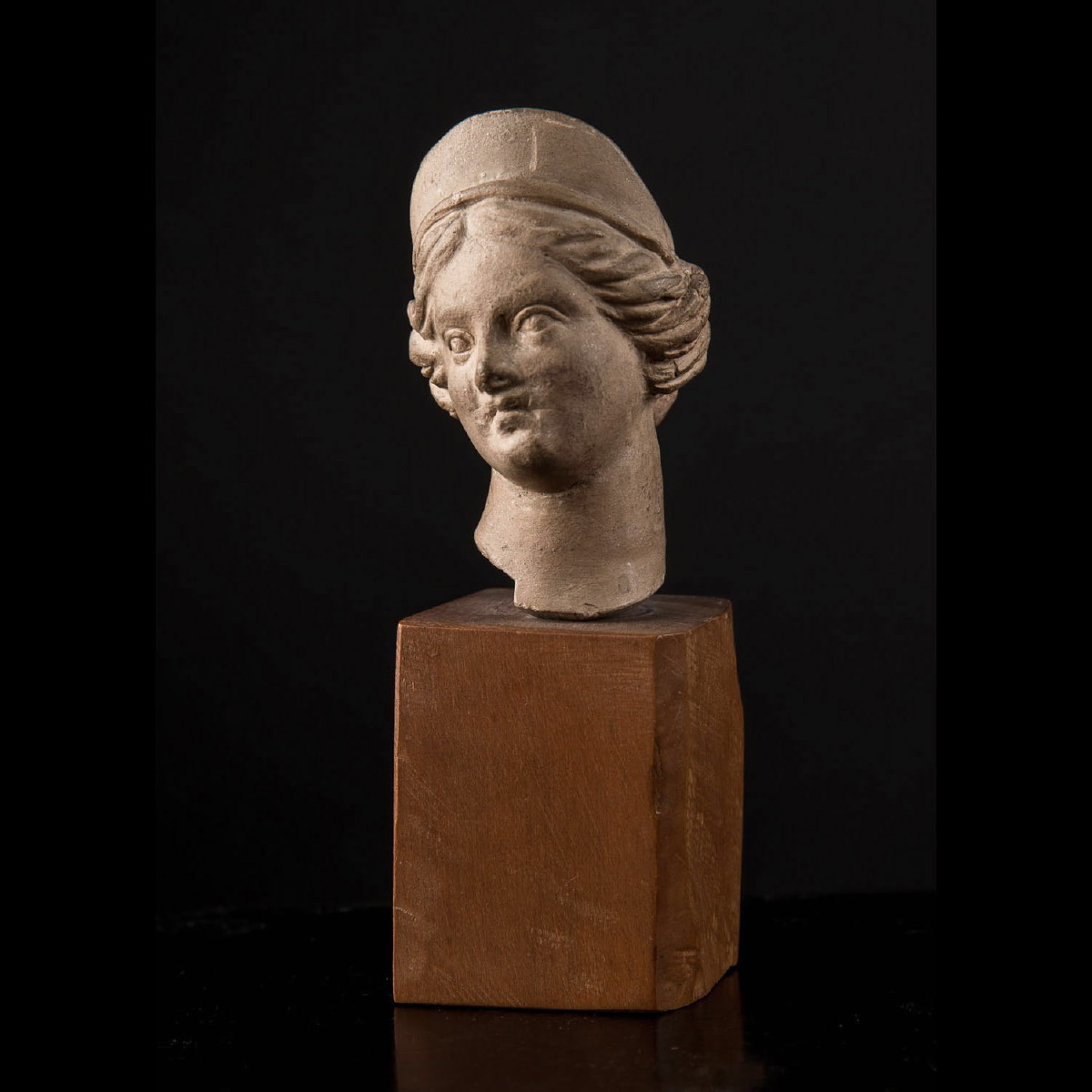 Photo of tanagra-head-ancient-greece-galerie-golconda-archeology
