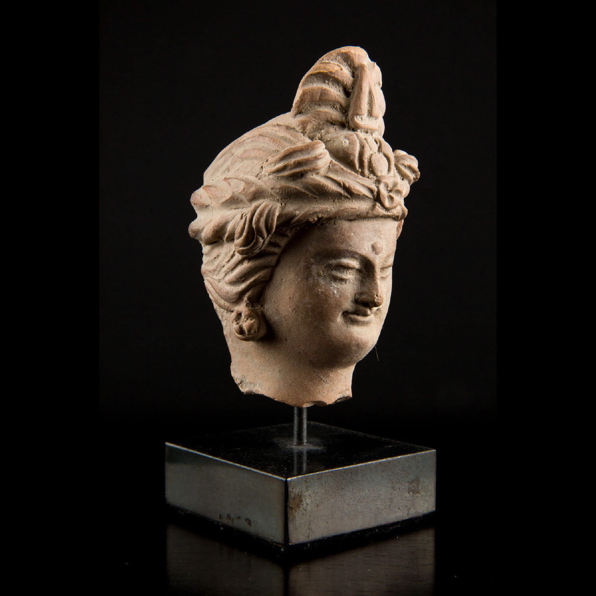 Photo of bodhisattva-head-with-turban-gandhara-afganistan-galerie-golconda