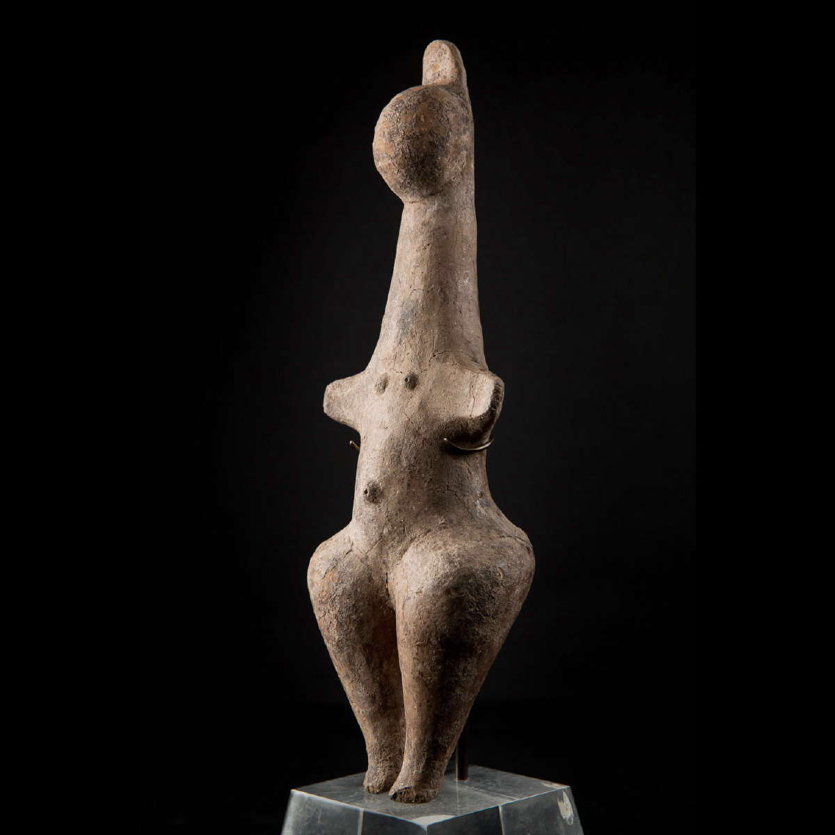 Photo of steatopyge-goddess-statue-amlash-culture-marlik-tepe-archeology-galerie-golconda