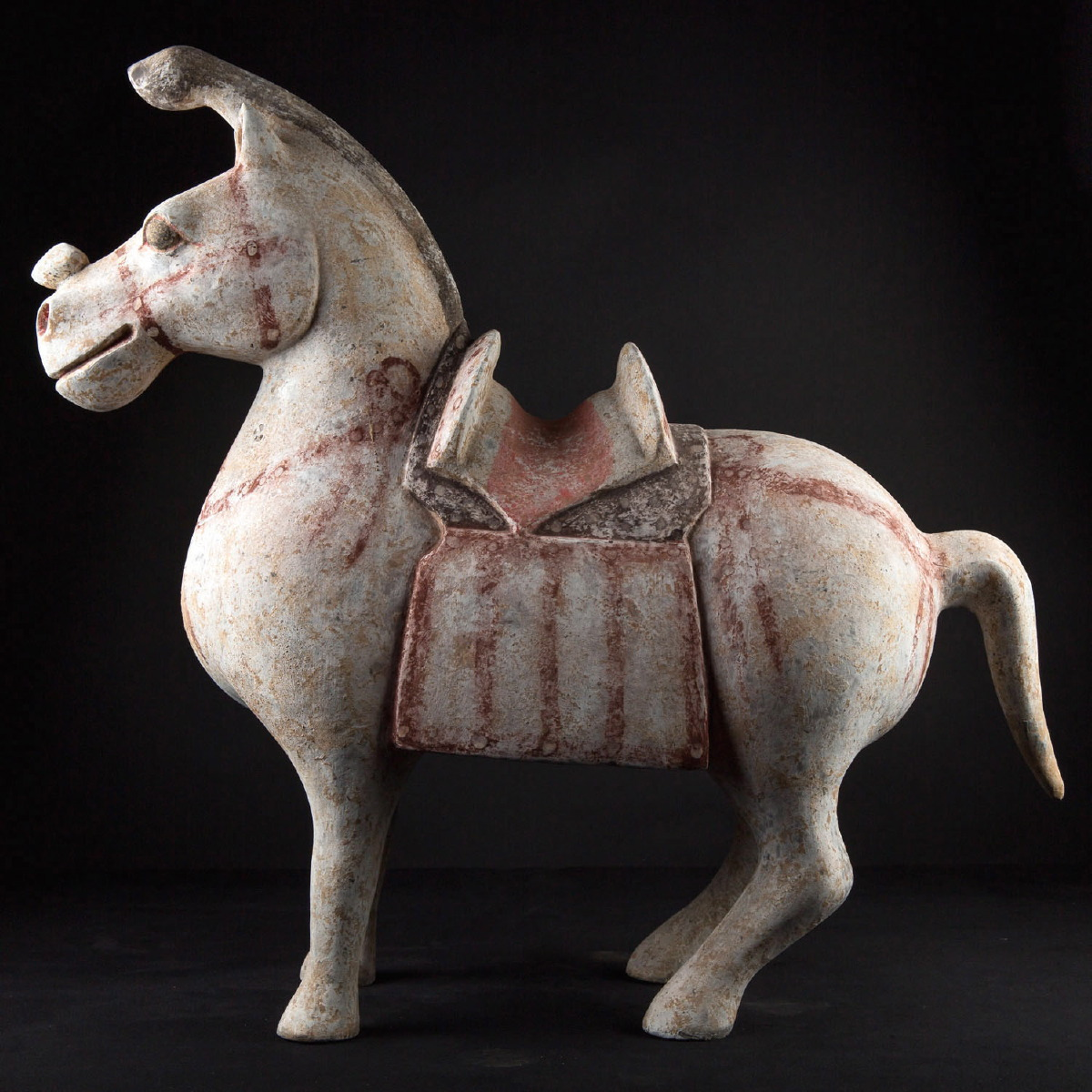 Photo of jin-horse-mongolia-rare-unicorn-galerie-golconda-collection-archeology