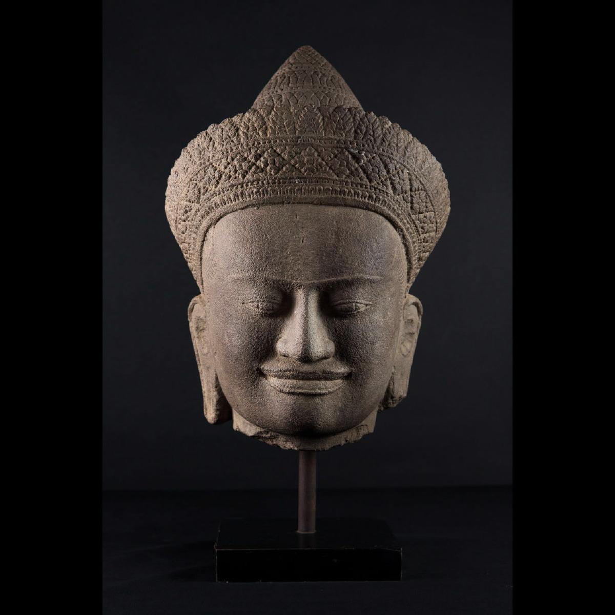 Photo of outstanding-vishnu-khmer-cambodia-galerie-golconda