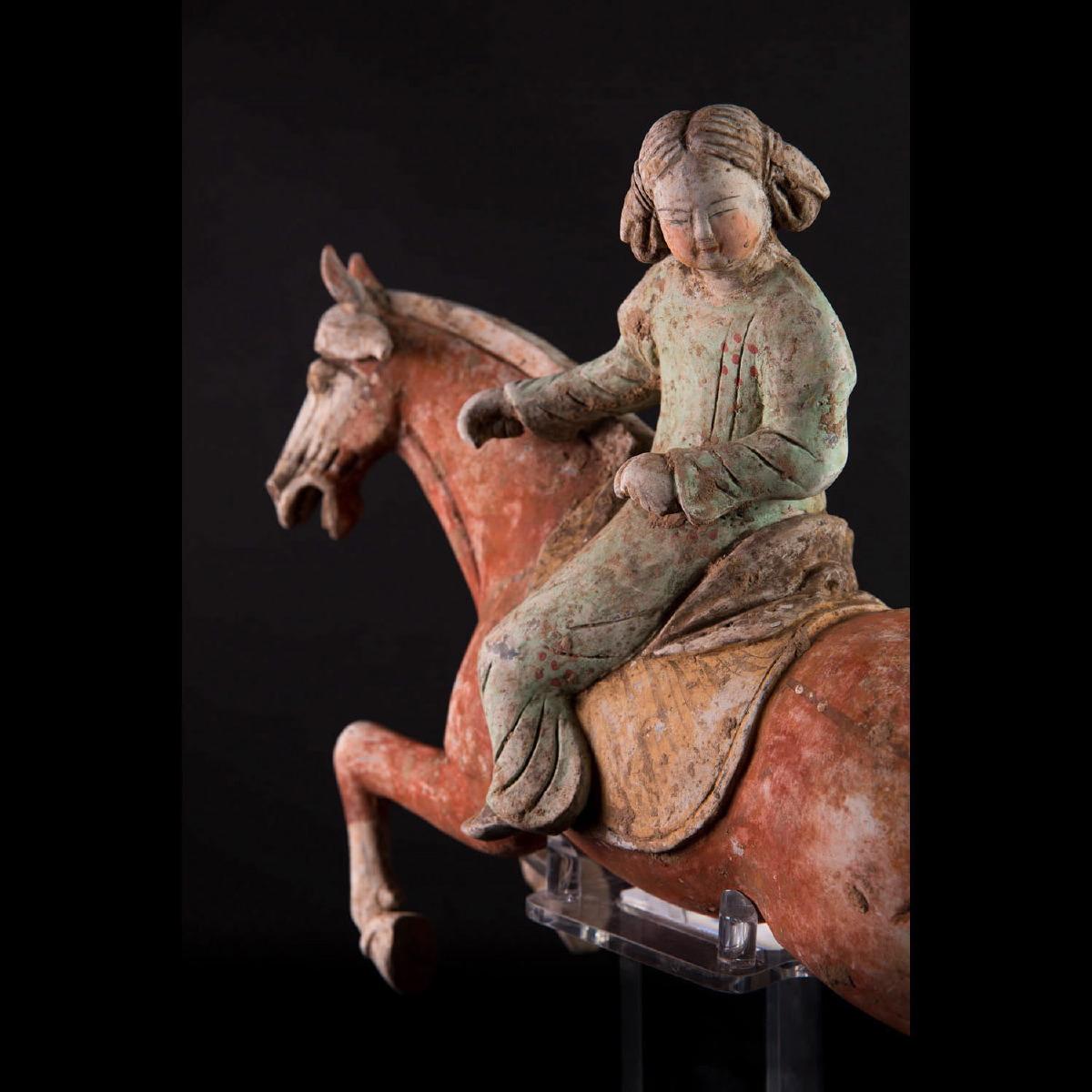 Photo of nicepair-polo-ladies-horses-tang-galerie-golconda