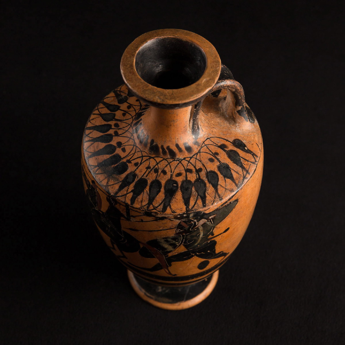 Photo of ancient-civilisation-ancient-greece-mediterranean-red-and-black-ware-vessel-greek-galerie-golconda-museum-quality-artefacts-from-ancient-civilisations