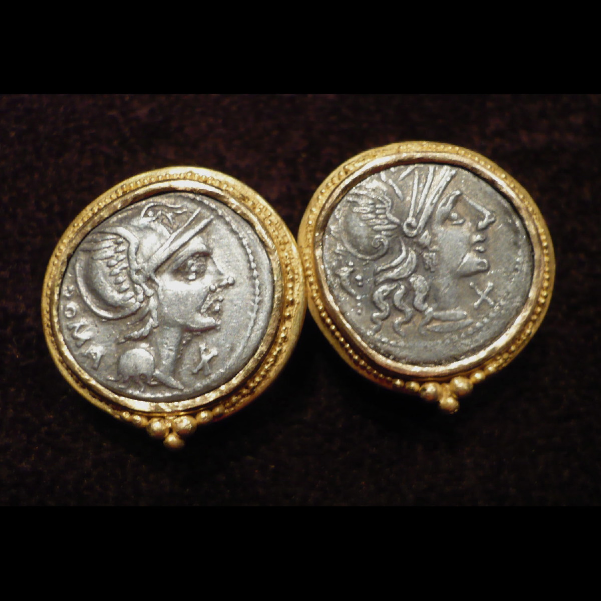 Photo ofEARRINGS WITH SILVER COINS DATING FROM ROMAN REPUBLIC