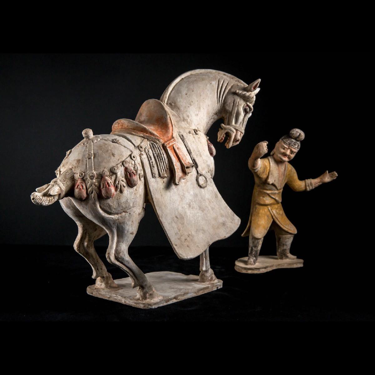 Photo of china-tang-horse-grrom-galerie-golconda-specialist-ancient-chinese-art-galerie-golocnda-beryl-cavallini