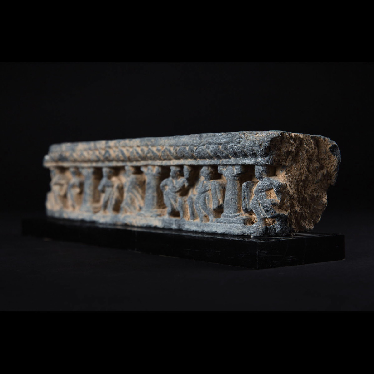 Photo of gandhara-greco-buddhist-art-schist-frieze-galerie-golconda