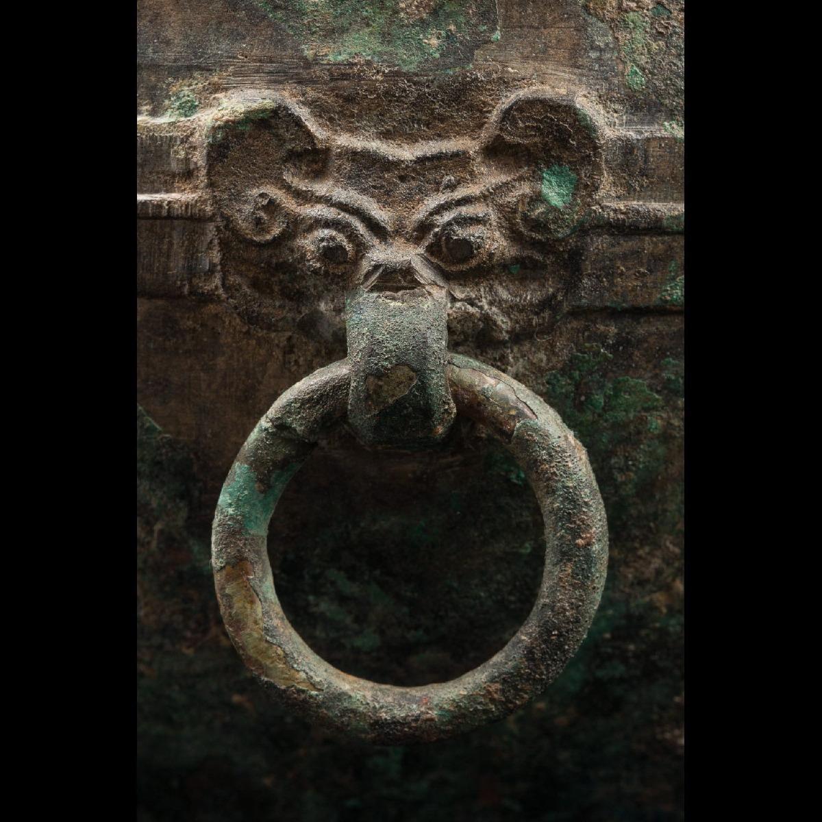 Photo of a-bronze-vessel-taotie-western-zhou-galerie-golconda-ancient-art
