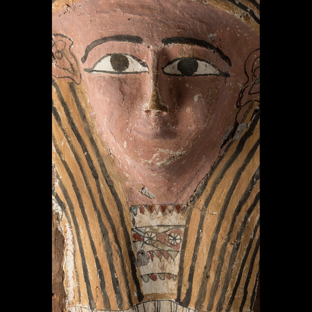 Photo of cover-of-sarcophagus-egypt-late-period-galerie-golconda
