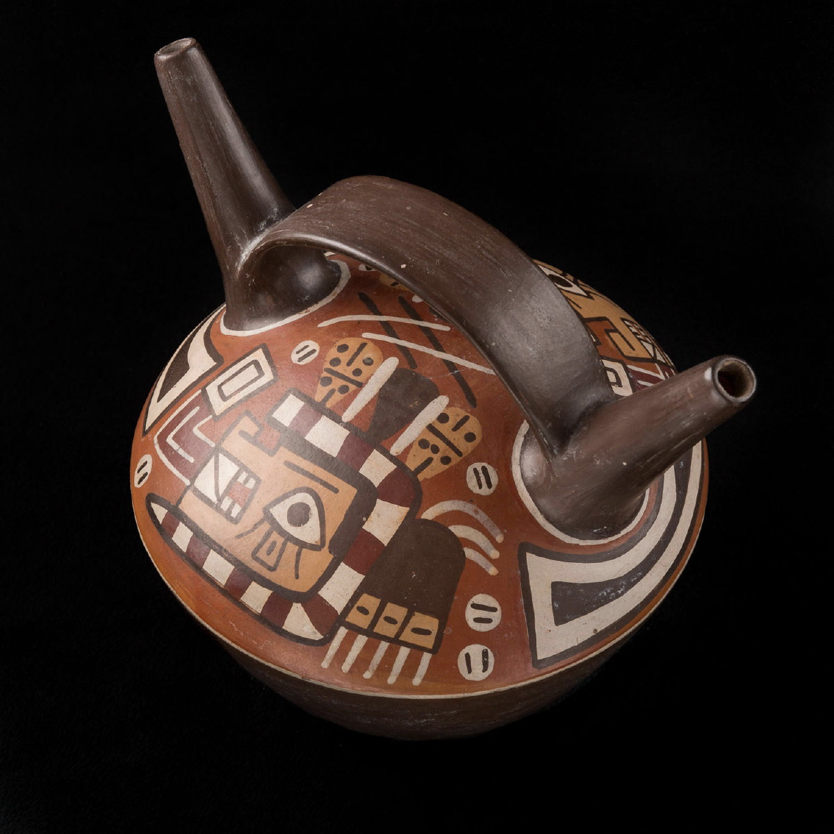Photo of double-spout-bottle-bolivia-tihuanaco-archeology