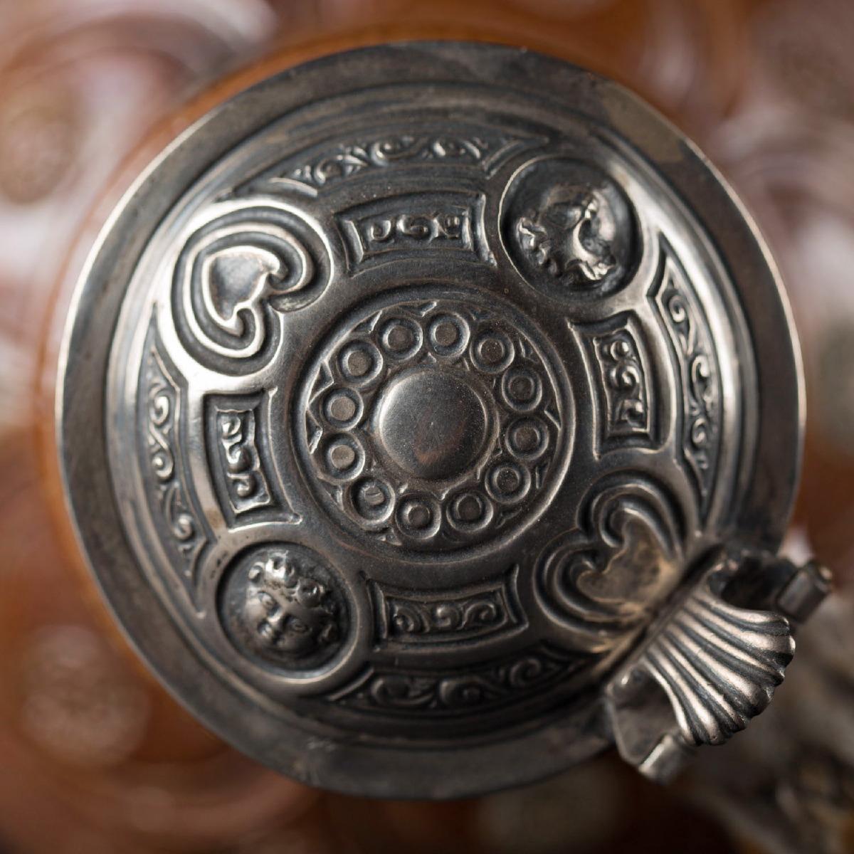 Photo of raeren-pitcher-dated-1602-collectors-objects-galerie-golconda-saint-paul-de-vence-antiquities