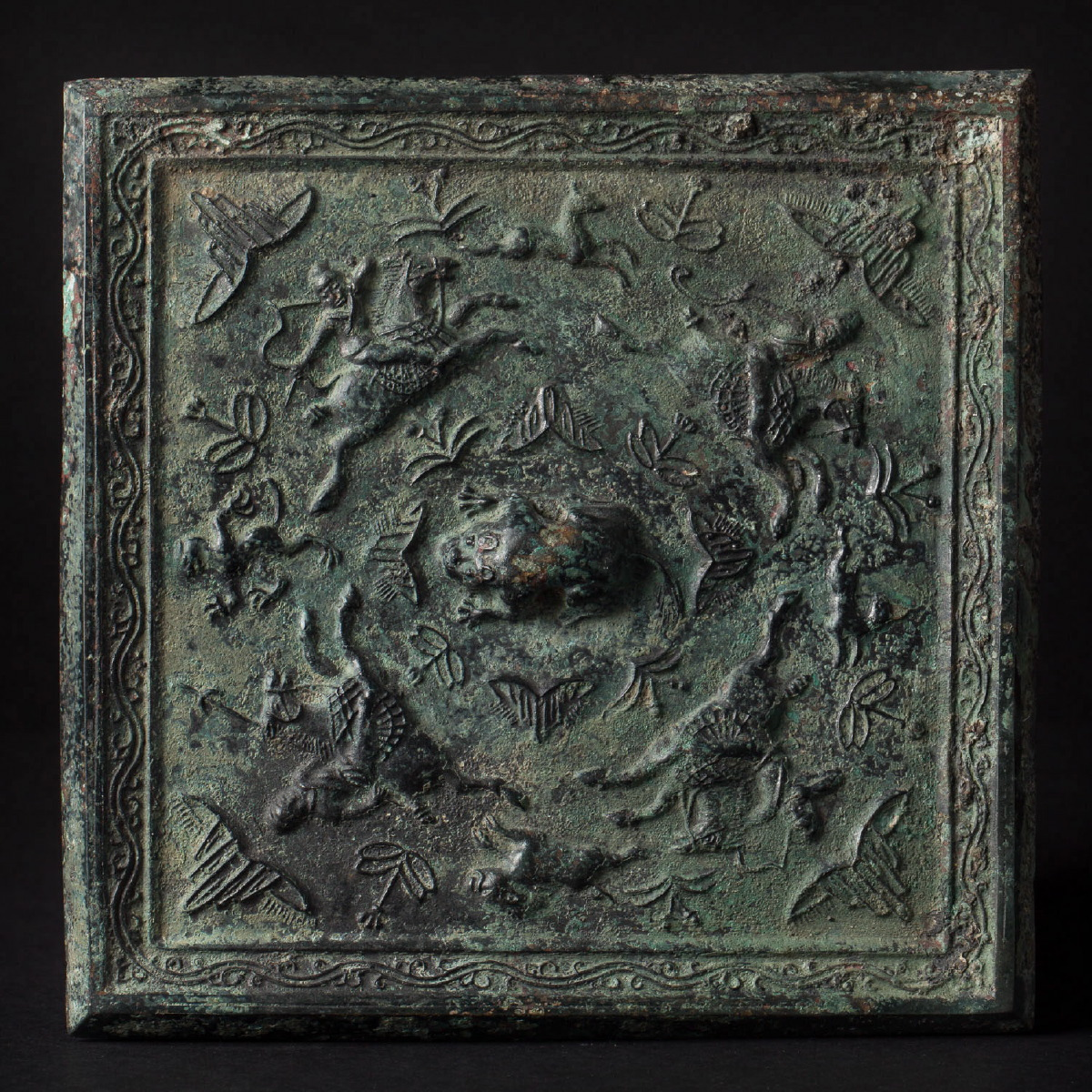 Photo of ancient-chinese-art-bronze-mirror-tang-galerie-golconda