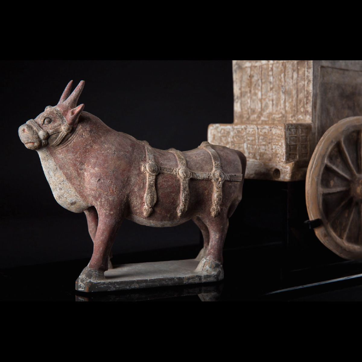 Photo of chariot-with-buffalo-galerie-golconda-tang-period