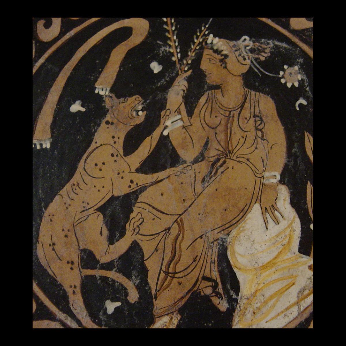 Photo of plate-apulia-cat-galerie-golconda-archeology