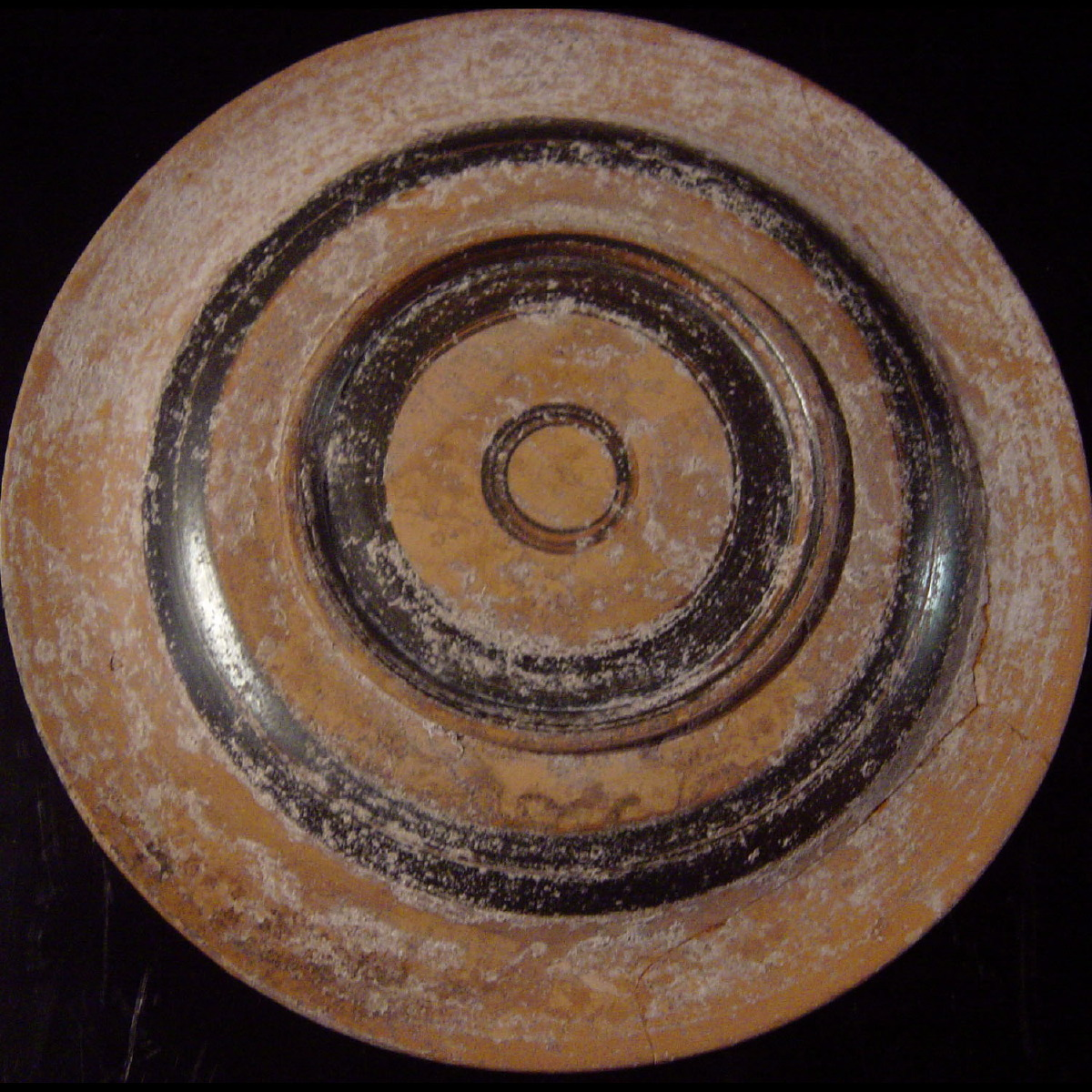 Photo of plate-apulia-cat-galerie-golconda-archeology
