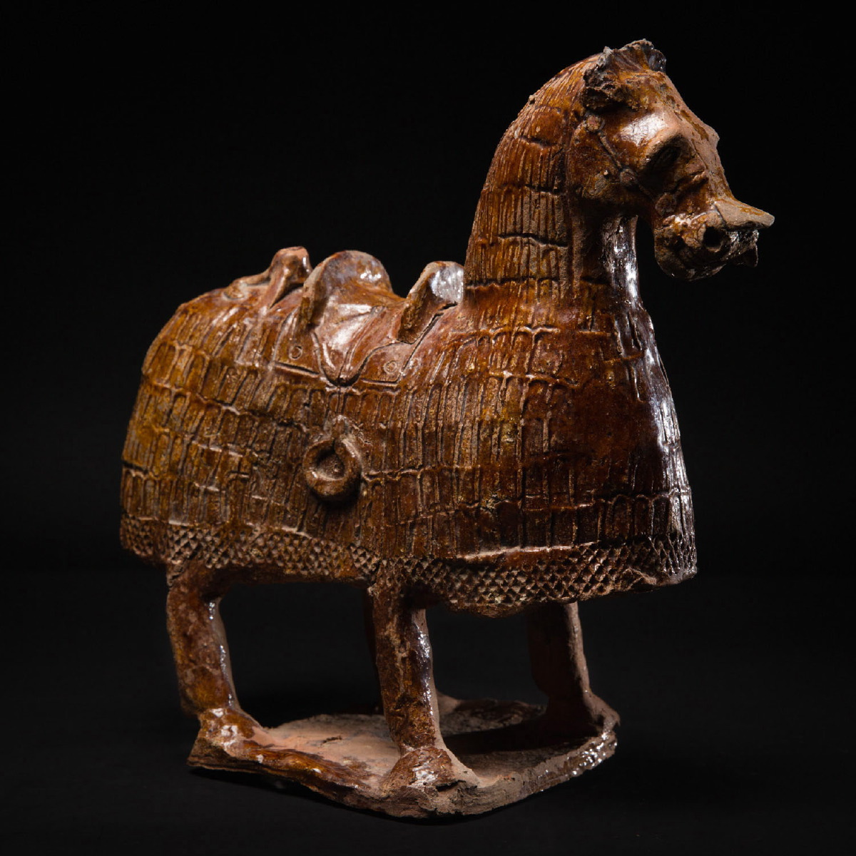 Photo of northern-wei-horse-amber-glaze-galerie-golconda