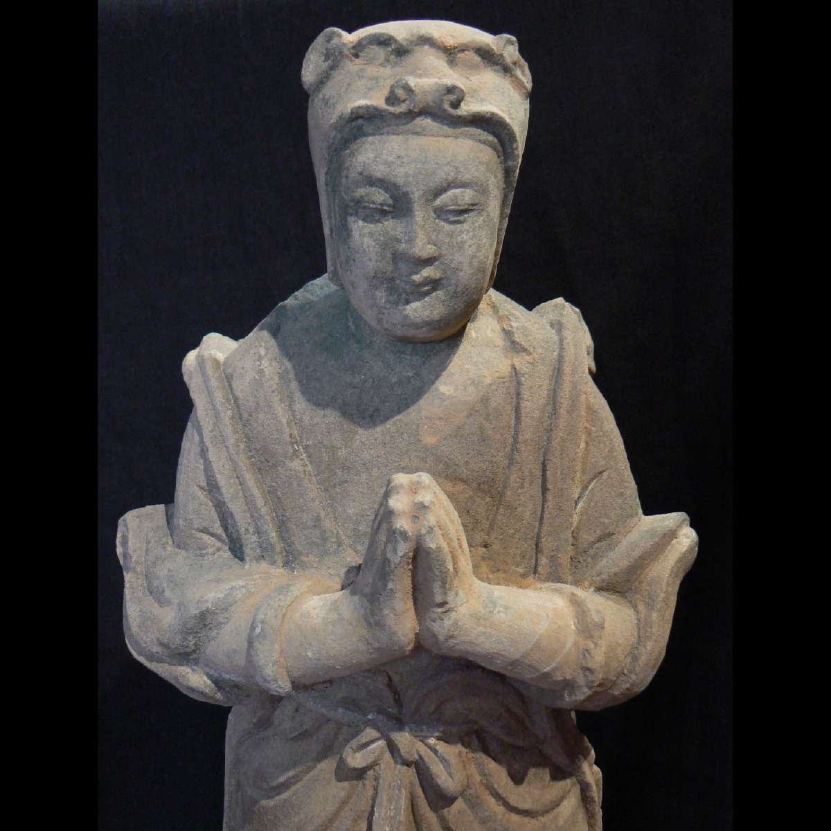 Photo of WORSHIPPING SANSTONE FIGURE FROM THE MING