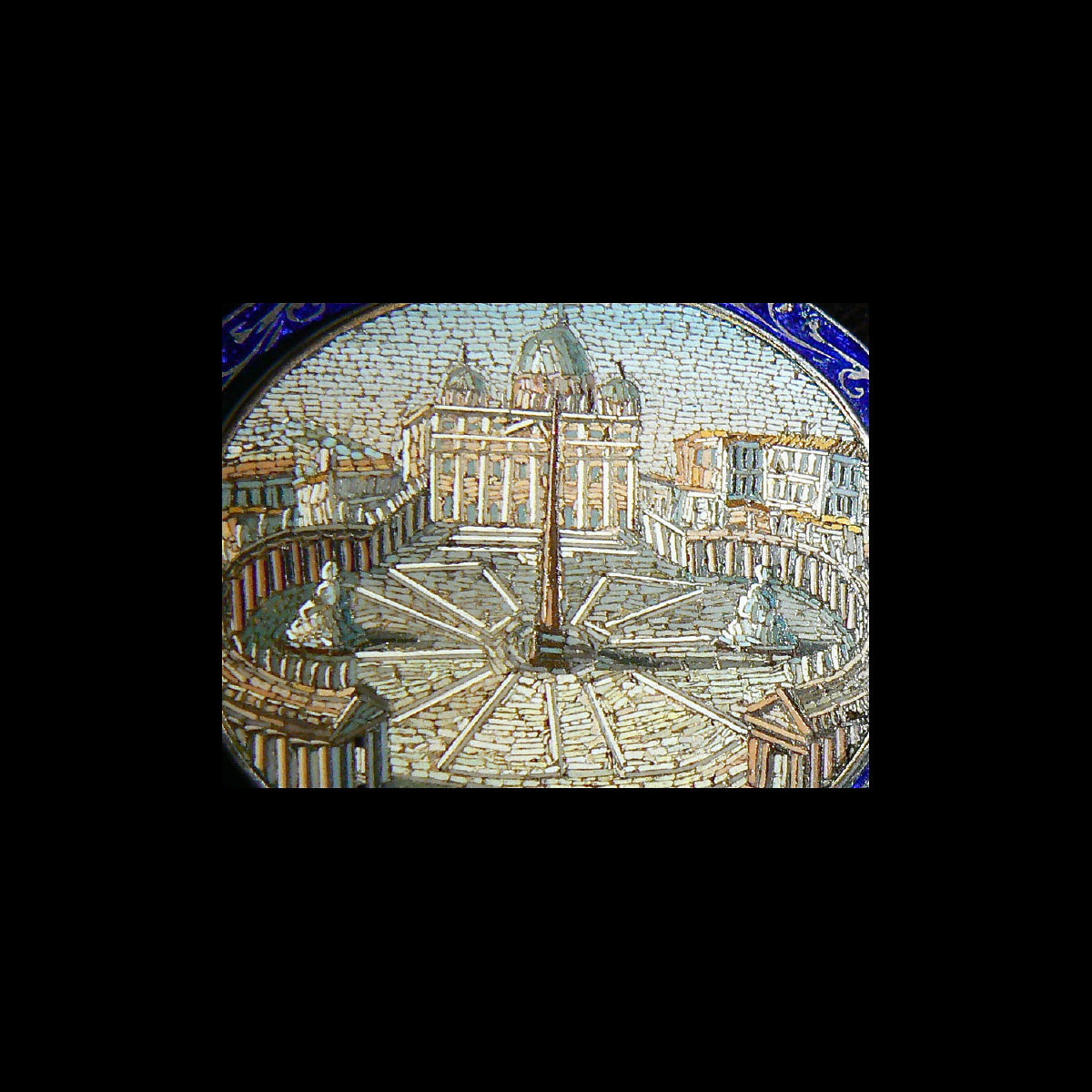 Photo of cuff-bangle-micromosaico-italy-vatican-old-jewellery-collectors-galerie-golconda