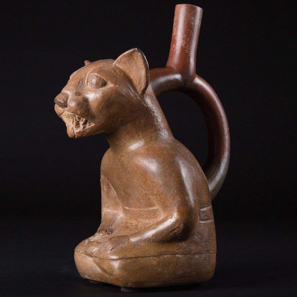 Photo of feline-bottle-ceramic-moche-peru-specialist-andine-civilisations