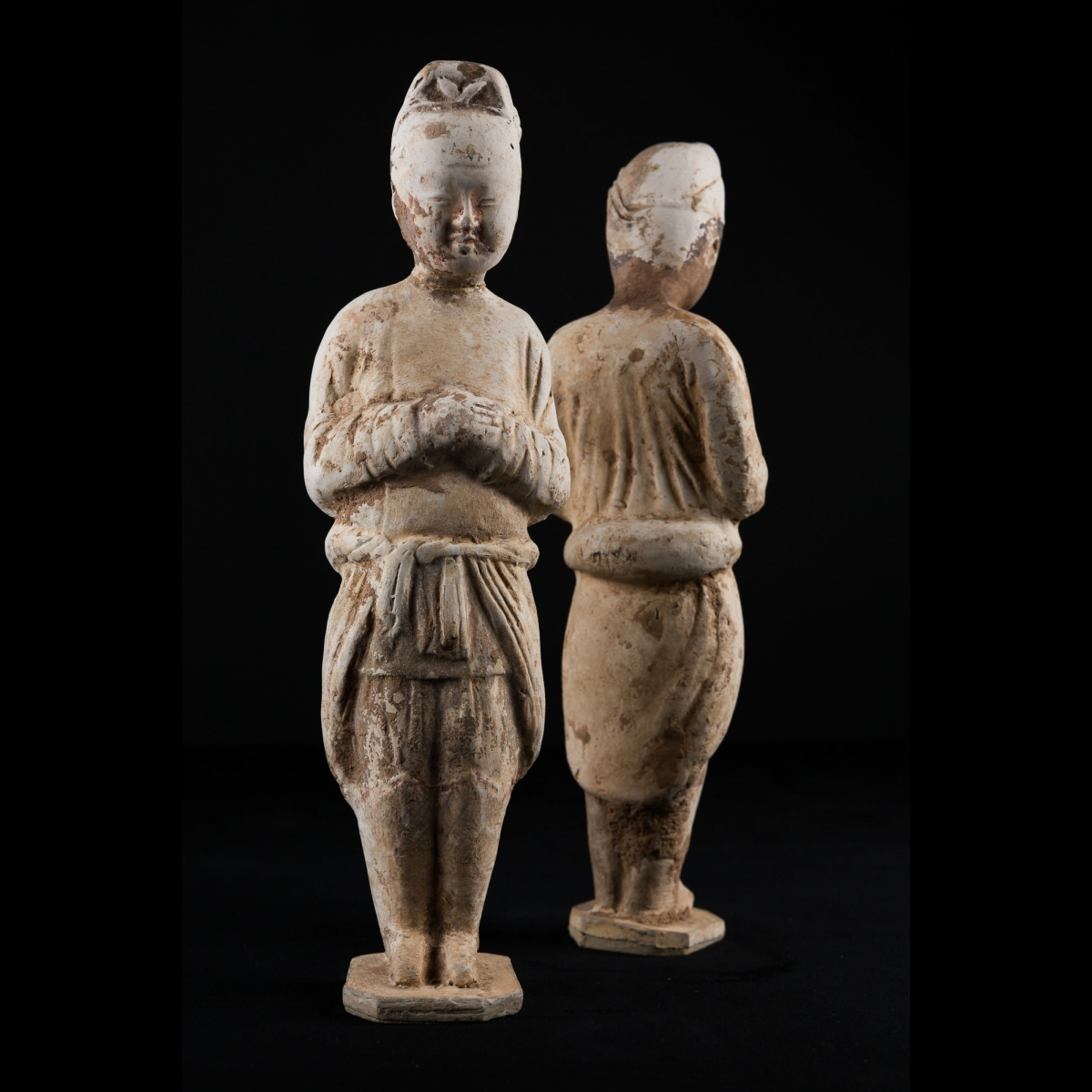 Photo of a-pair-of-servants-china-tang-ancient-china-galerie-golconda