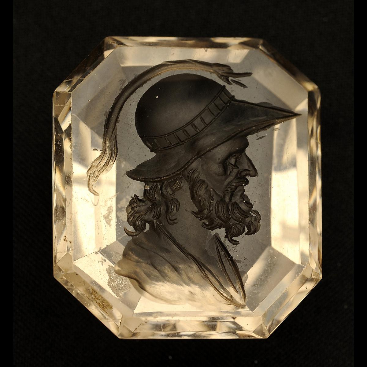 Photo of intaglio-quartz-warrior-helmeted-galerie-golconda