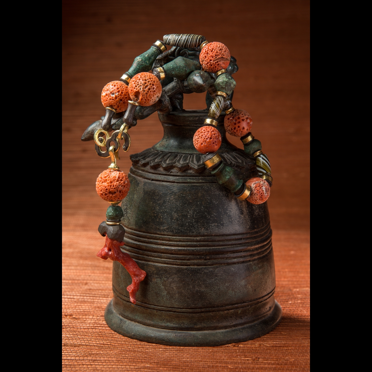Photo ofMESOPOTAMIAN GLASS, CORAL AND BRONZE PEARL NECKLACE