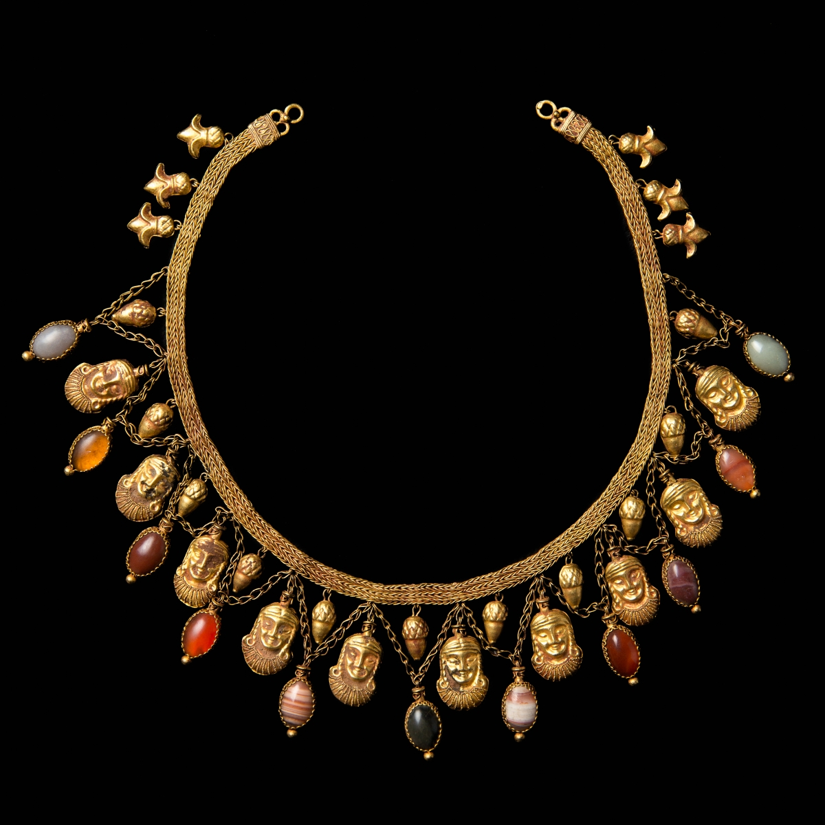 Photo of revival-etruscan-style-archaeological-necklace-italy-galerie-golconda