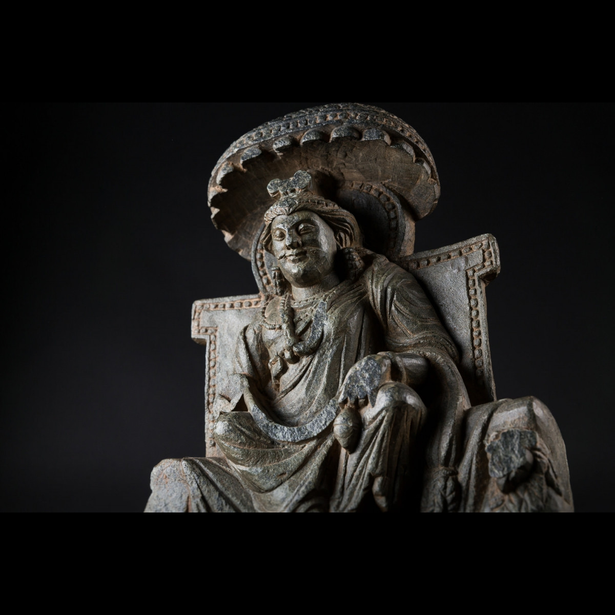 Photo of bodhisattva-maitreya-schist-deated-in-majestyghandara-pakistan-galerie-golconda-musuem-quality