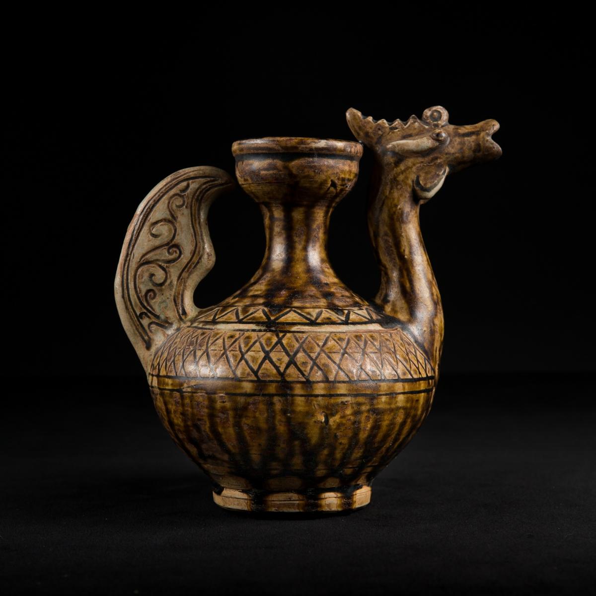 Photo of glazed-ewer-in-form-of-a-goose-ayutthaya-galerie-golocnda