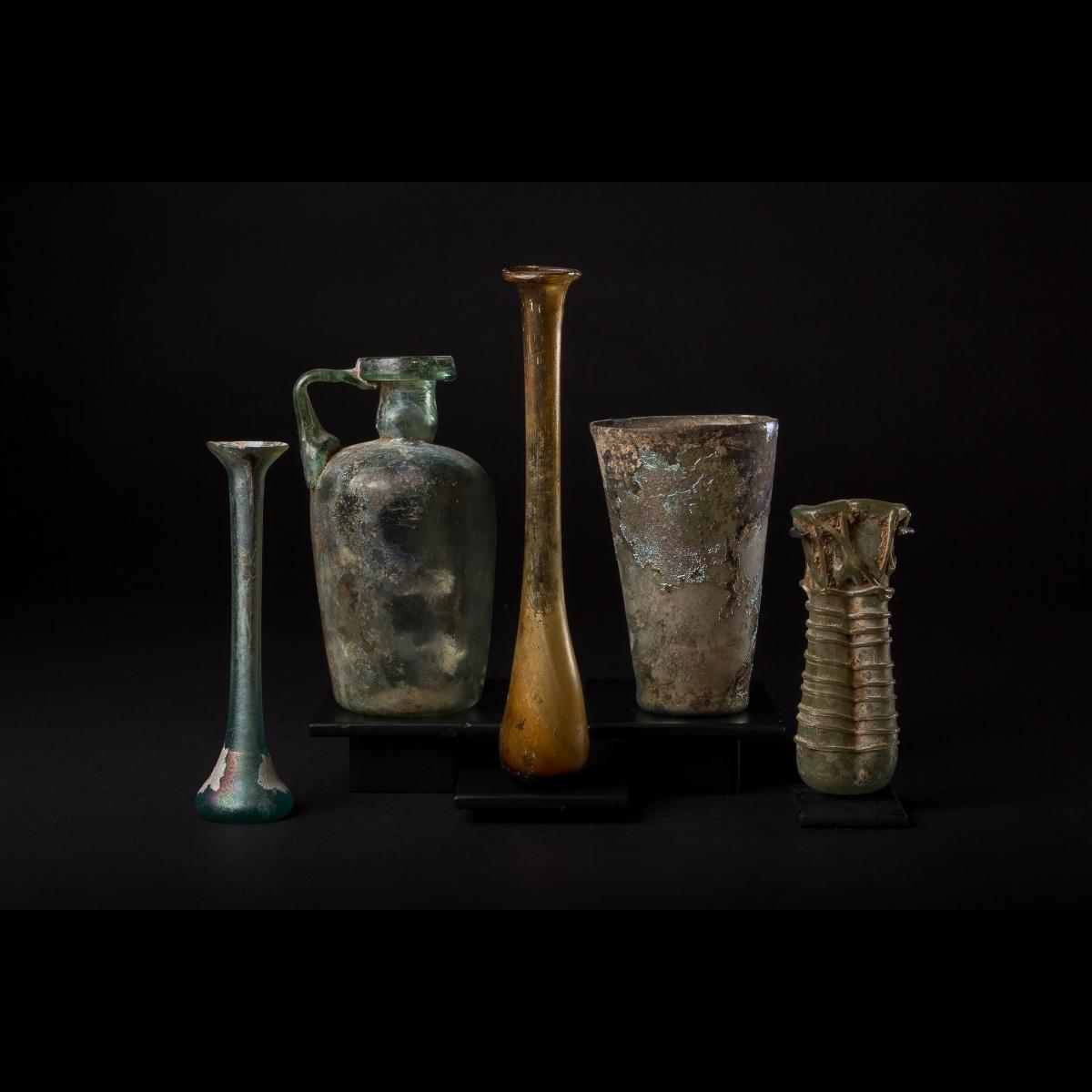 Photo of roman-glass-phenicia-mediterranean-area-galerie-golconda-musuem-quality-2