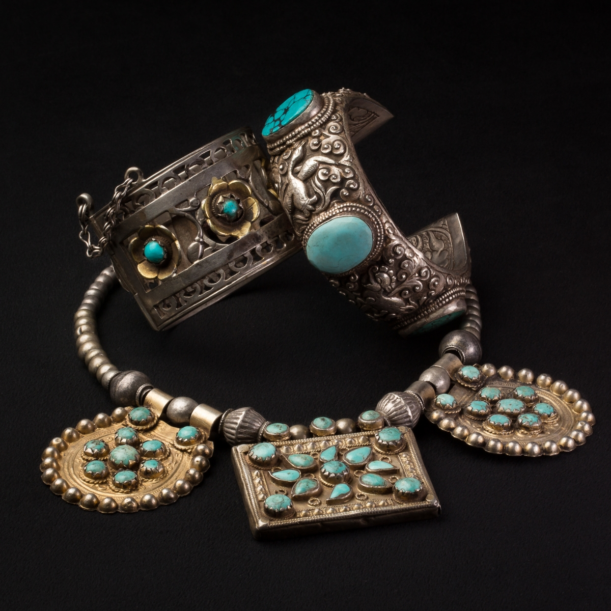 Photo of turquoise-and-siver-cuff-bangle-tibet-xix-th-cent