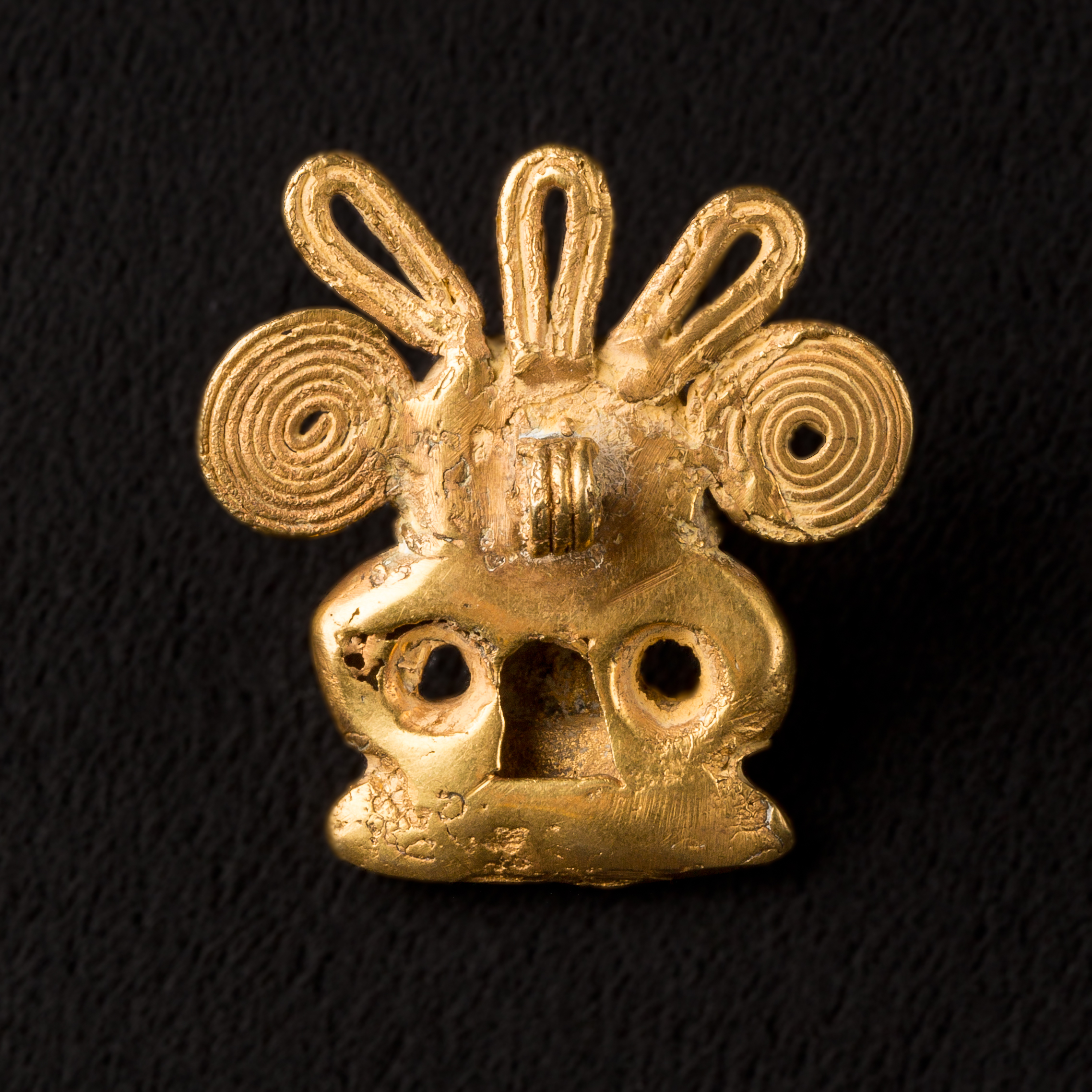 Photo of colombie-tairona-culture-pendentif-aigle-or-cuivre-colombia-tairona-tumbaga-pendant-eagle-headdress-gold-mesoamerica