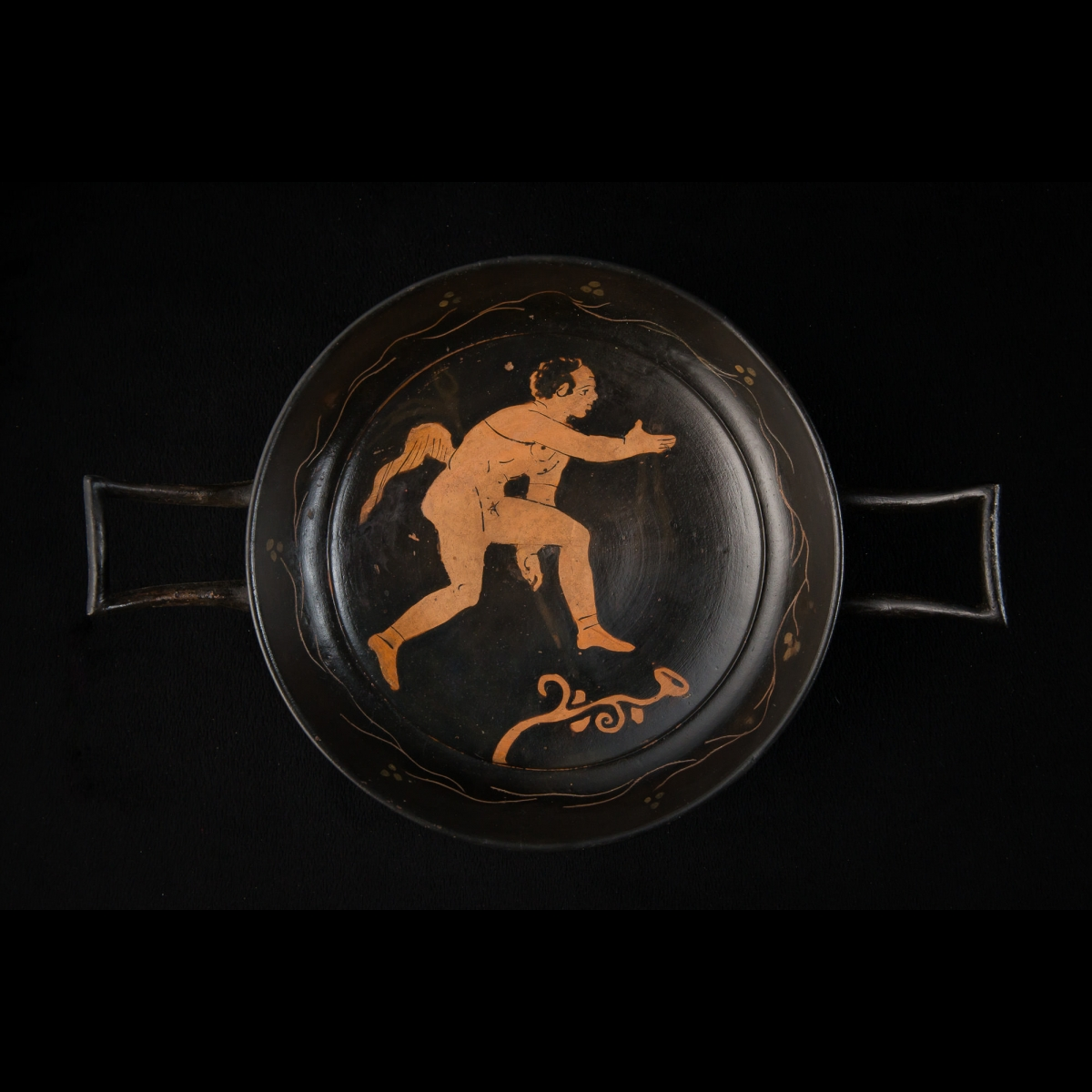 Photo of red-and-black-kylix