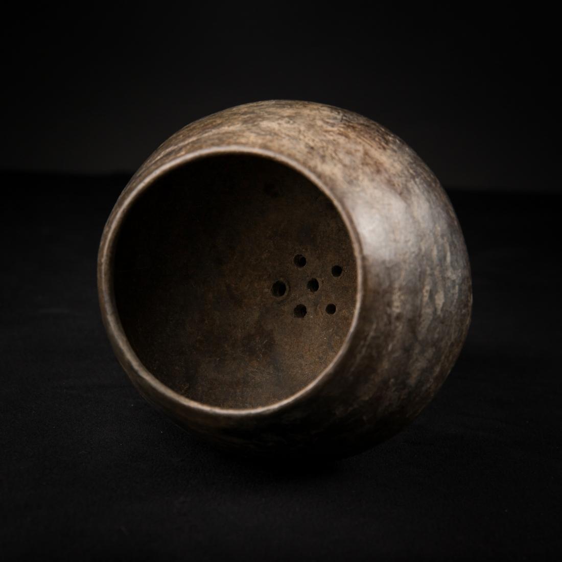 Photo of pre-colombian-america-delivery-censer-in-terracotta
