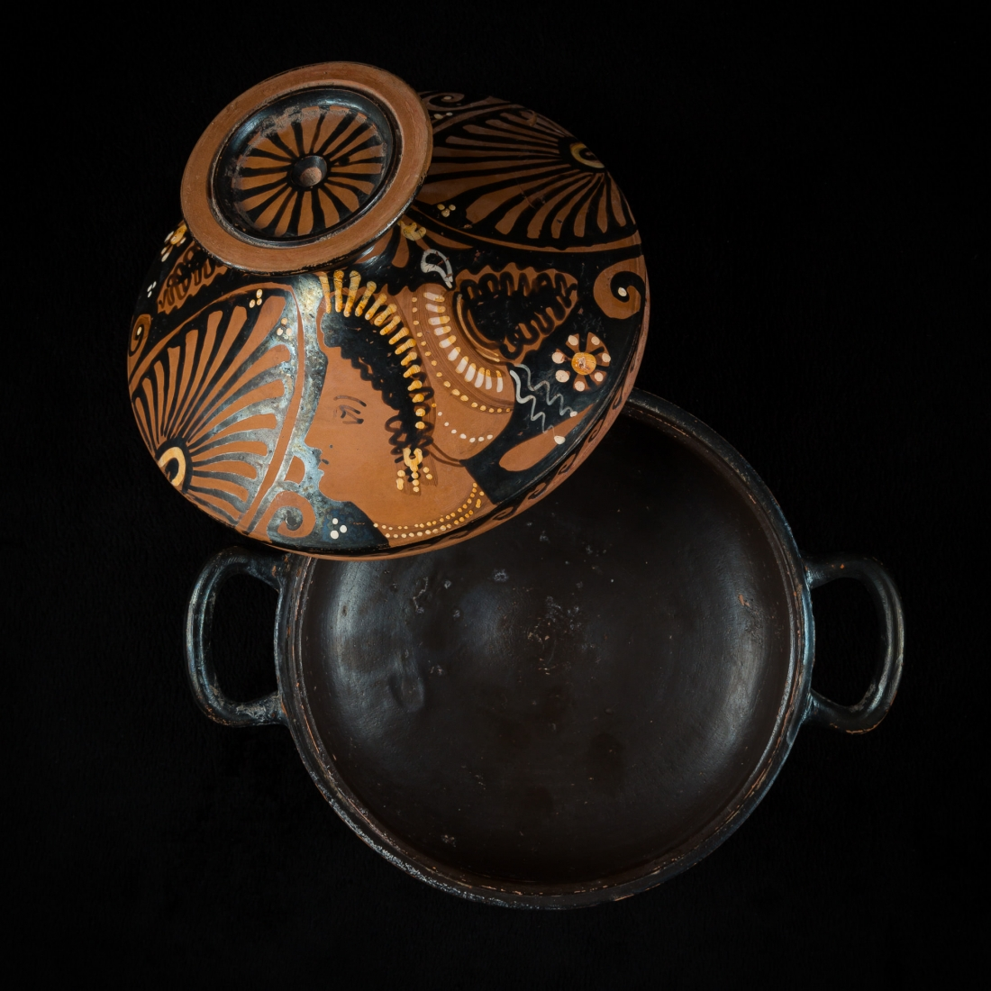 Photo of red-figure-lekythos-ancient-greece-and-rome