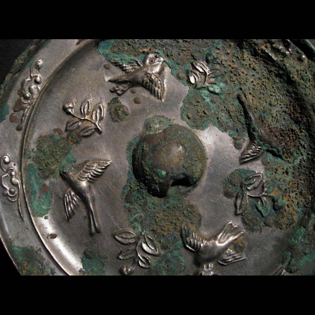 Photo of chinese-bronze-mirror-tang-dynasty-galerie-golconda-archeology