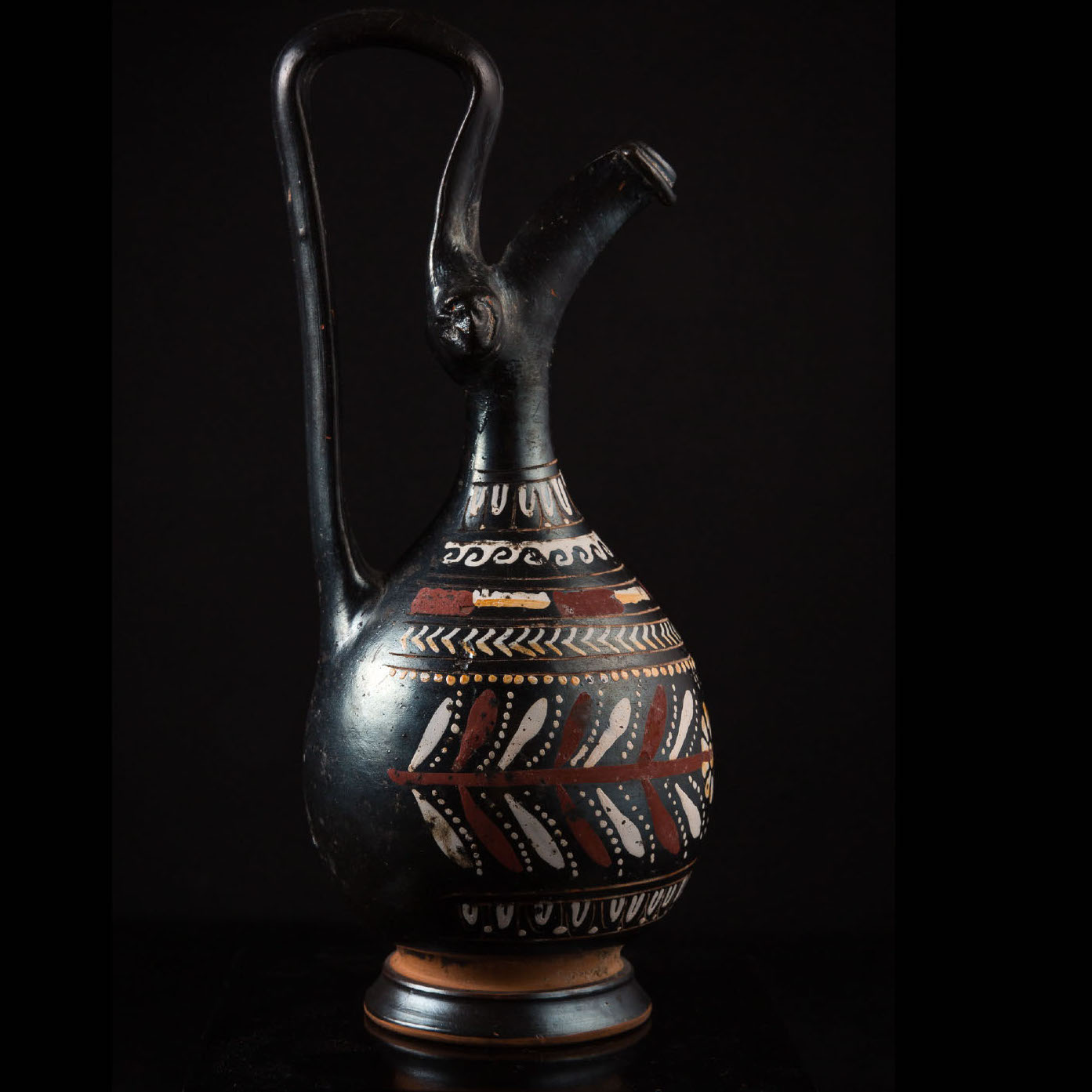 Photo ofELEGANT GNATHIAN STYLE EPIPHYSIS IN BLACKWARE