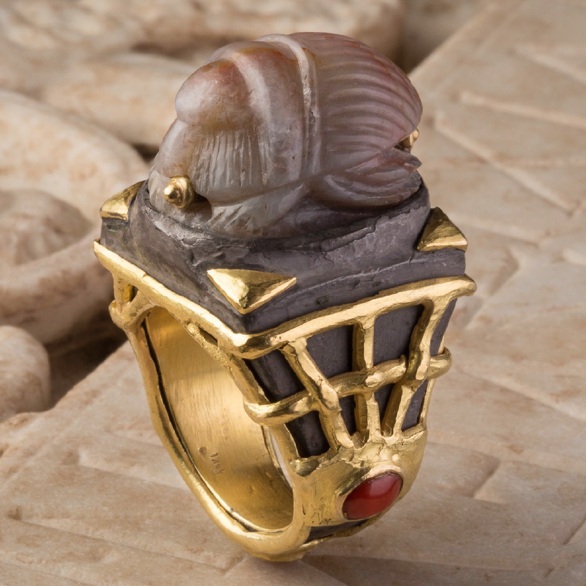 Photo of RING WITH ANCIENT SCARAB IN AGATE  (1st mill. BC)