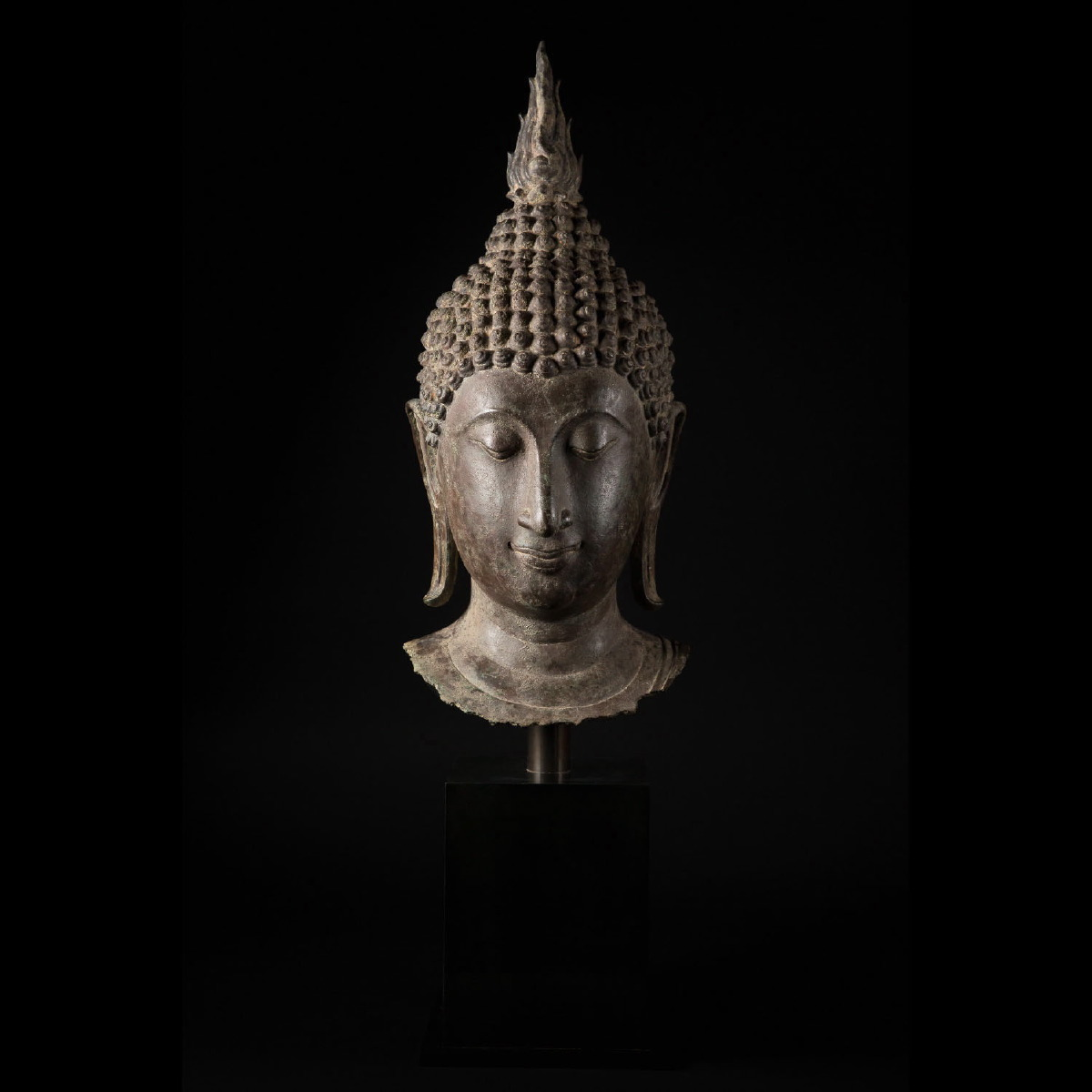 Photo of IMPRESSIVE SUKHOTAI HEAD OF BUDDHA