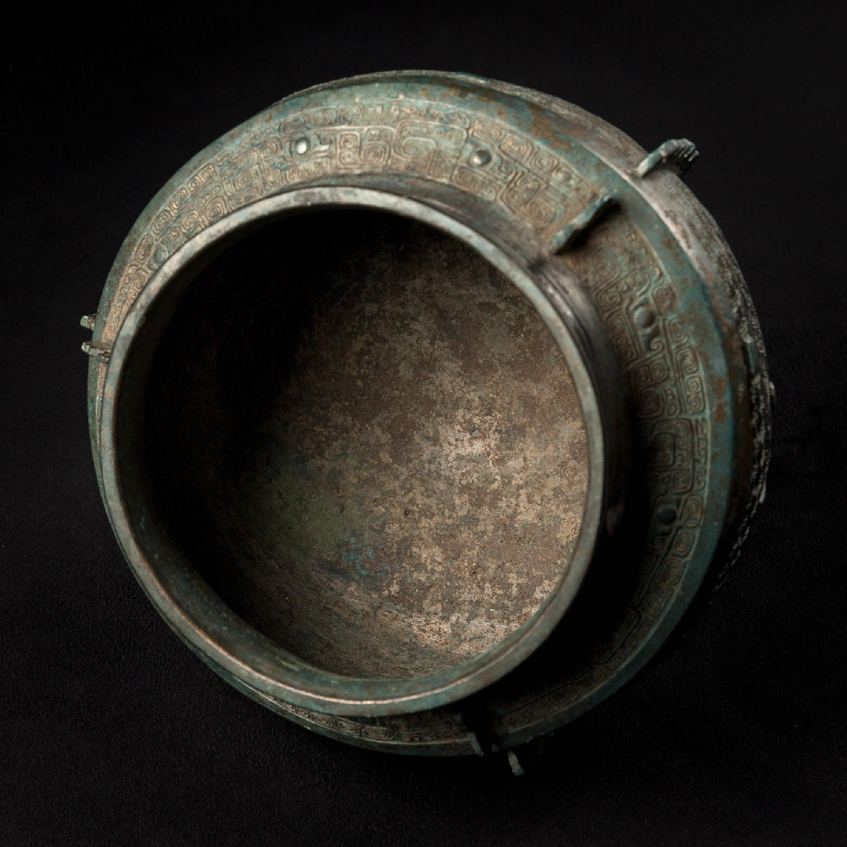 Photo of SILVERED ARCHAIC CHINESE BRONZE VESSEL