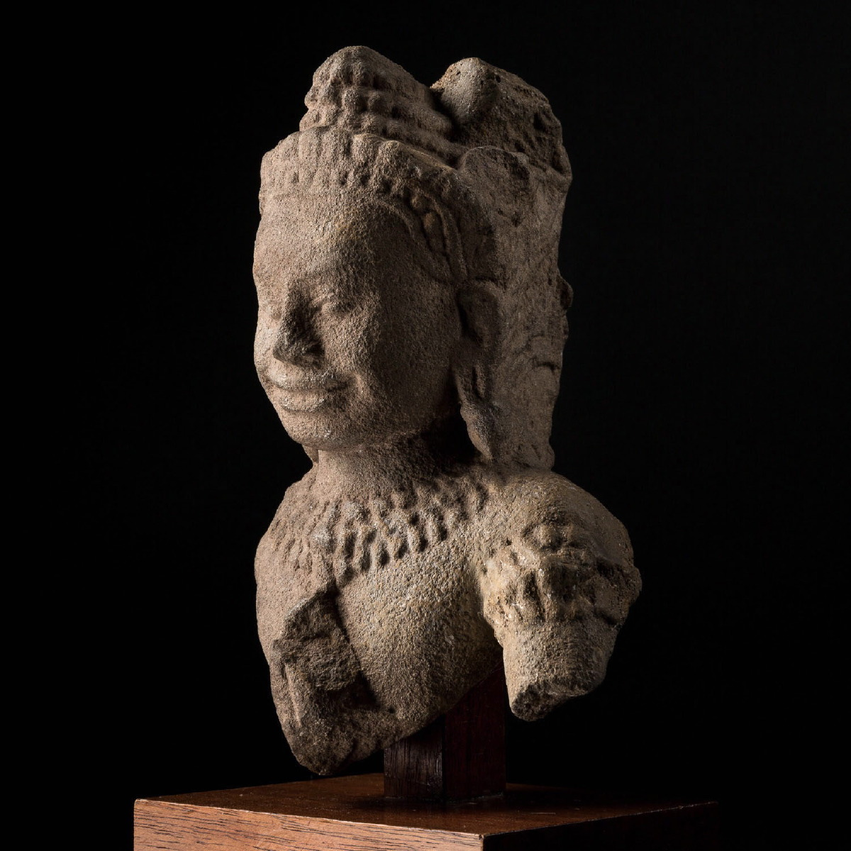 Photo of BUST OF SMILING SHIVA IN KULEN KHMER SANDSTONE