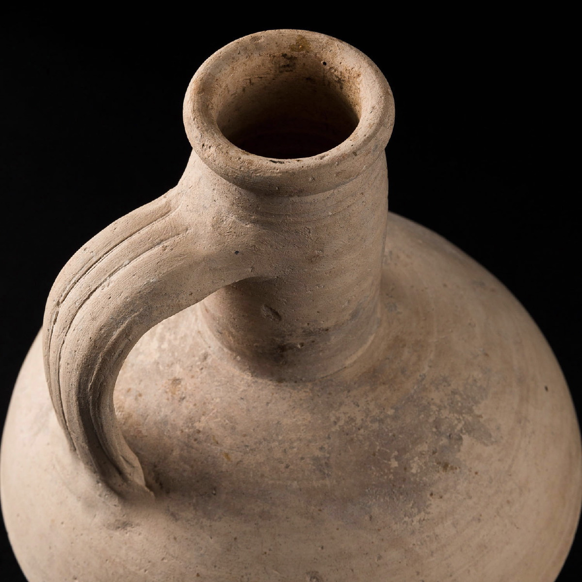 Photo of VASE IN TERRACOTTA FROM CARTAGENA OR SYRIA