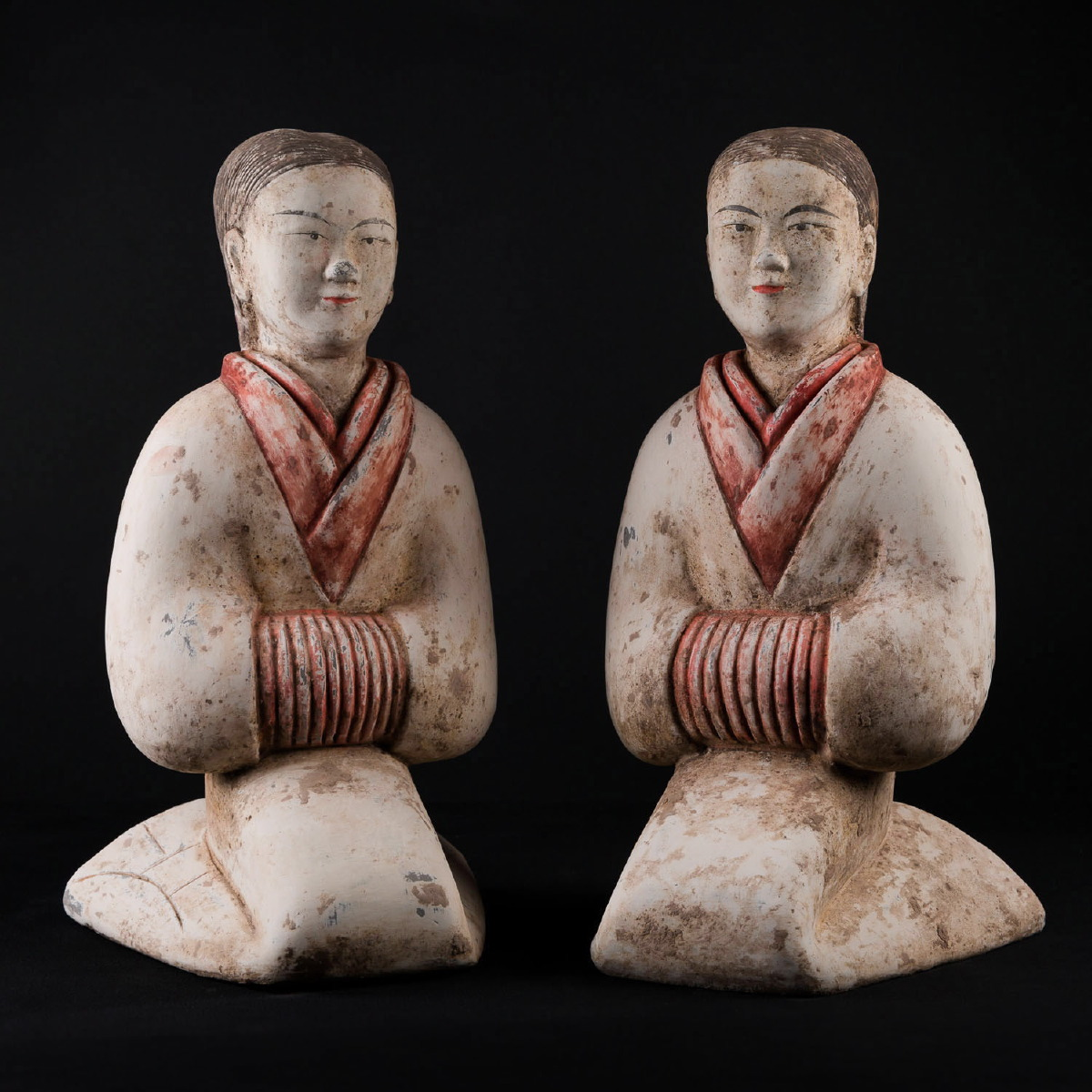 Photo ofPAIR OF HAN DANCERS