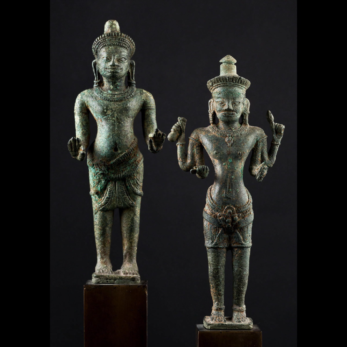 Photo ofPAIR OF DEITIES - ANGKOR WAT PERIOD