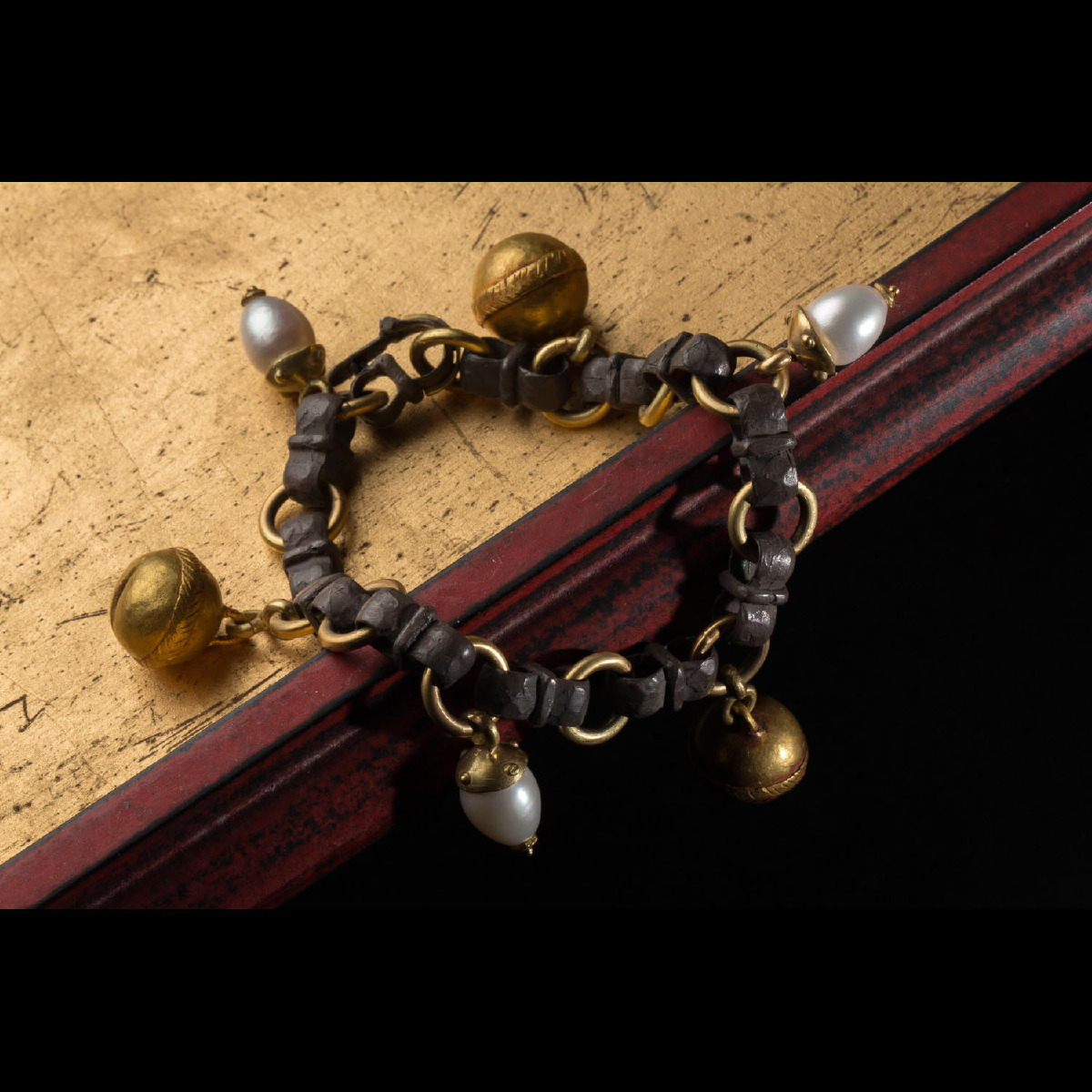 Photo of GOLDEN BELL AND PEARL BRACELET – MING DYNASTY