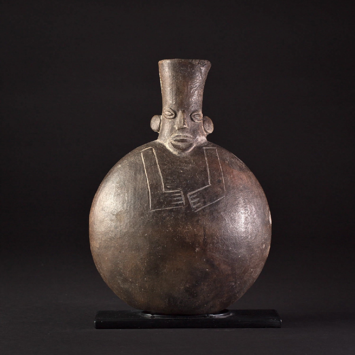 Photo ofCHIMÚ ANTHROPOMORPHIC VASE FROM PERÚ