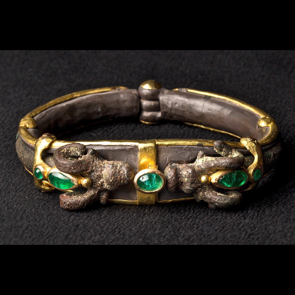 Photo ofBRACELET WITH LURISTAN IBEX ENRICHED WITH EMERALDS