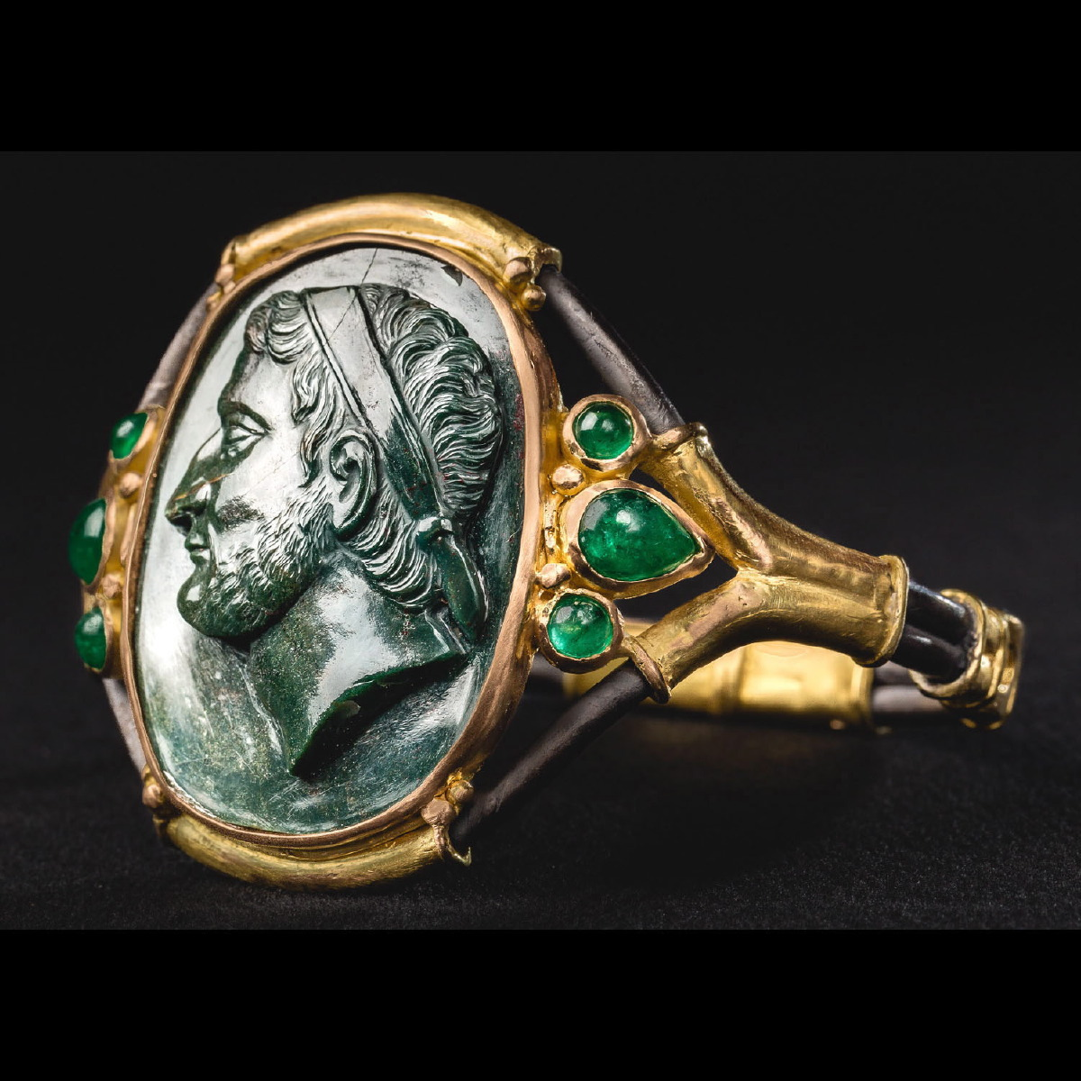 Photo ofCAMEO BRACELET OF DEMETRIUS I OF MACEDON